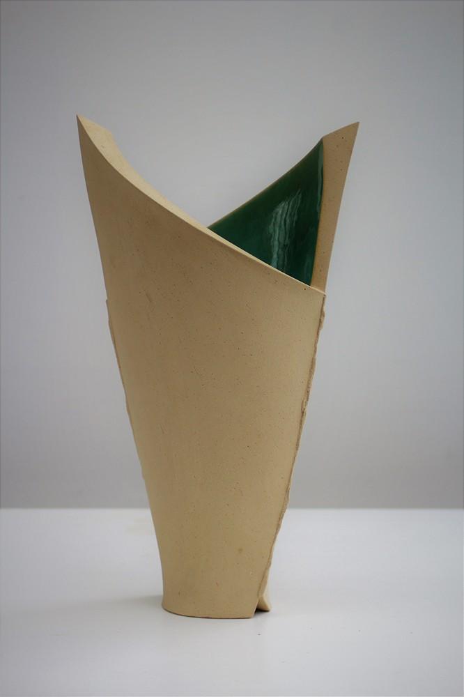 Nele Zander - Vase und Gefäß aus Keramik