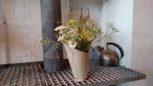 Nele Zander - Vase mit Blumen